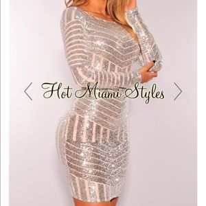 Silver Sequins Open Back Long Sleeves Dress